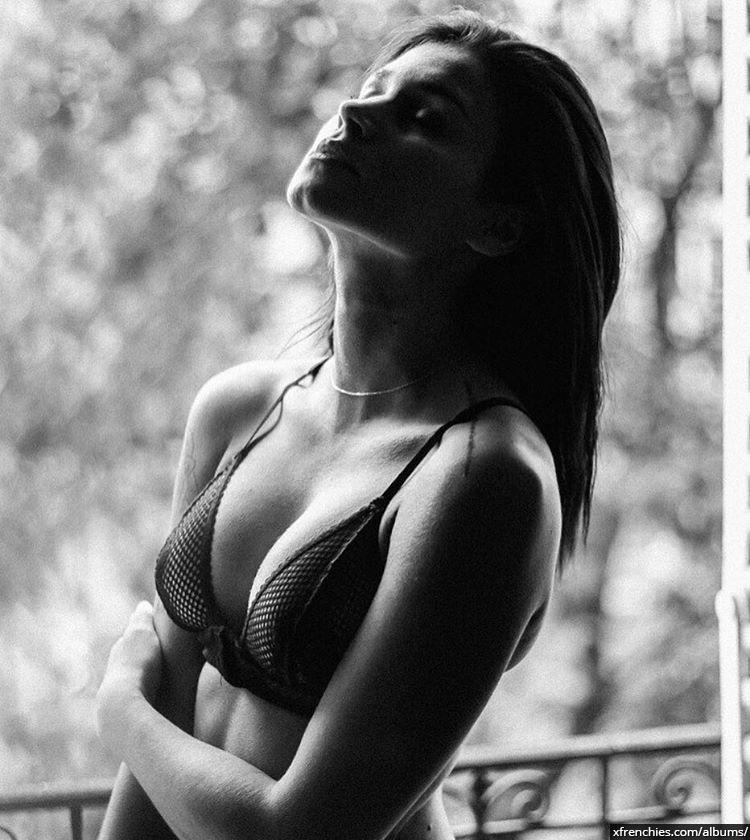 Photos Inès Loucif nue et sexy | Inès koh lanta n°6