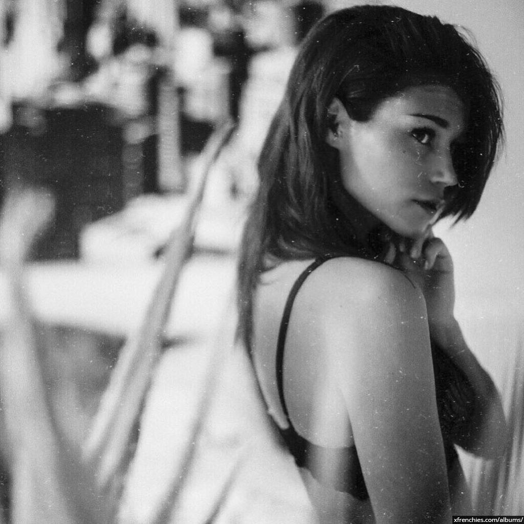 Photos Inès Loucif nue et sexy | Inès koh lanta n°19