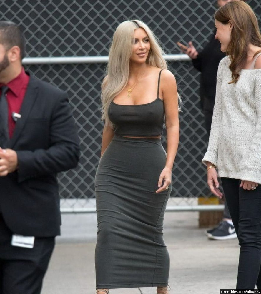 Photos sexy de Kim Kardashian en sous vêtements n°42