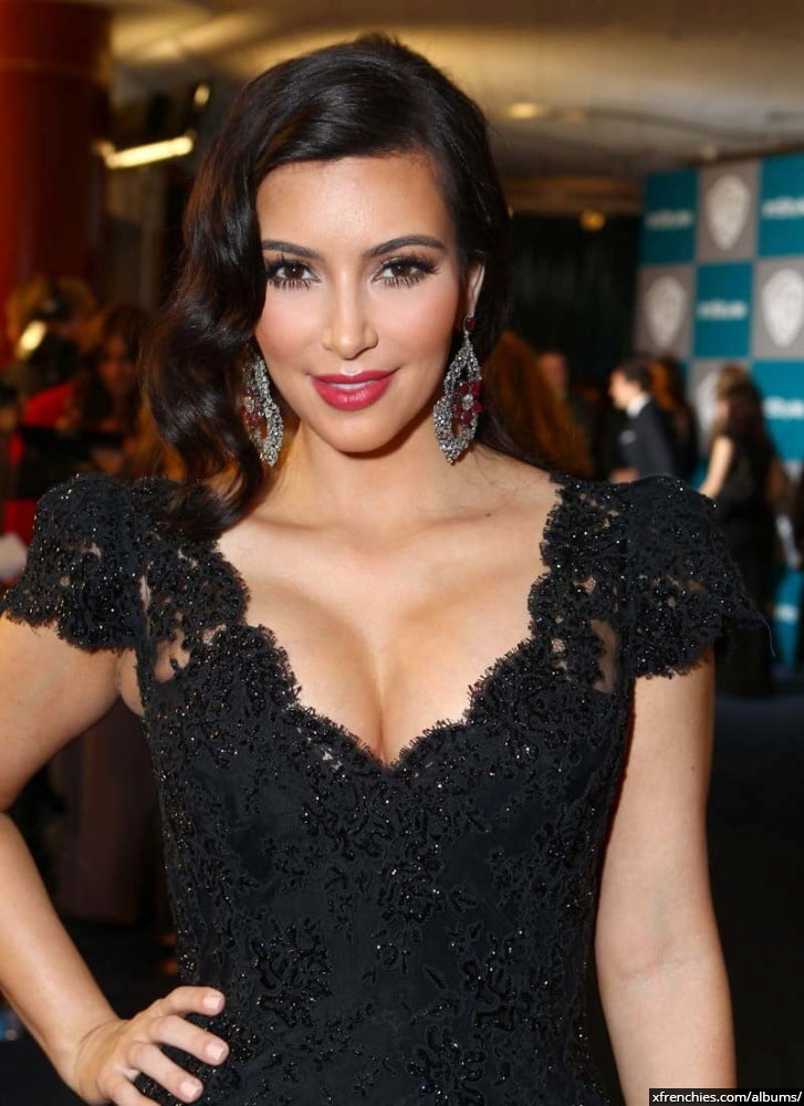 Photos sexy de Kim Kardashian en sous vêtements n°52