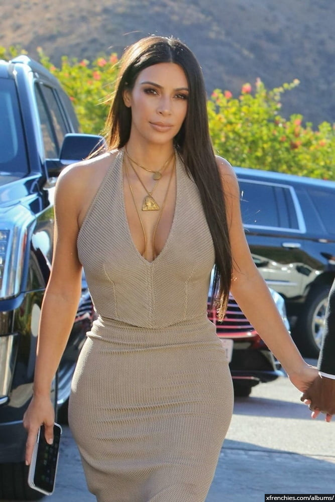Photos sexy de Kim Kardashian en sous vêtements n°66