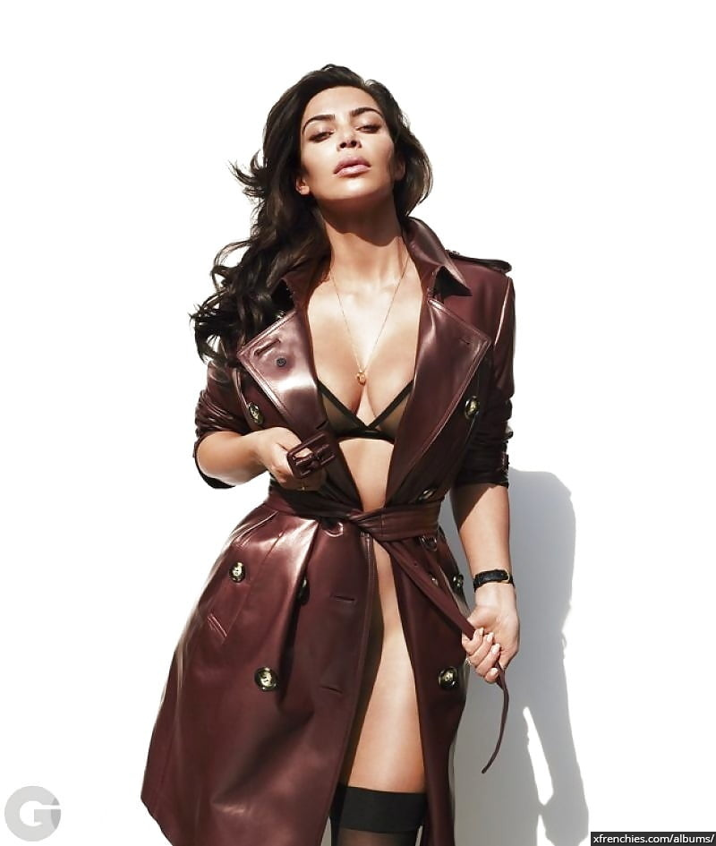 Photos sexy de Kim Kardashian en sous vêtements n°82