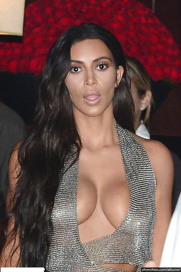 Photos sexy de Kim Kardashian en sous vêtements n°98