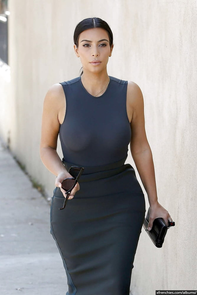 Photos sexy de Kim Kardashian en sous vêtements n°102