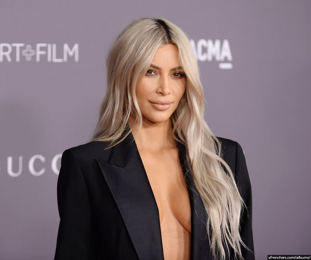 Photos sexy de Kim Kardashian en sous vêtements n°105