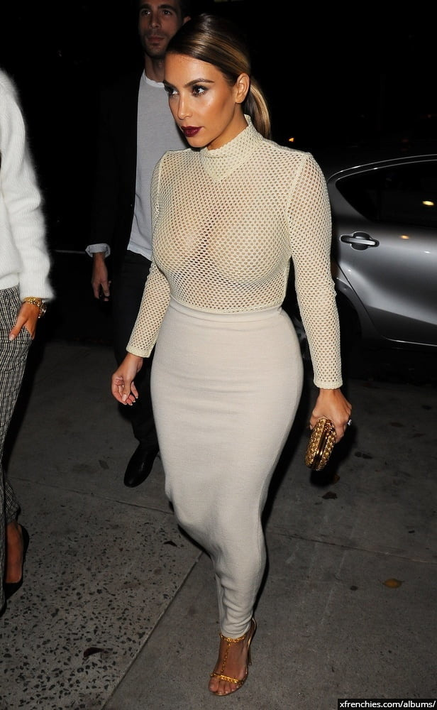 Photos sexy de Kim Kardashian en sous vêtements n°108