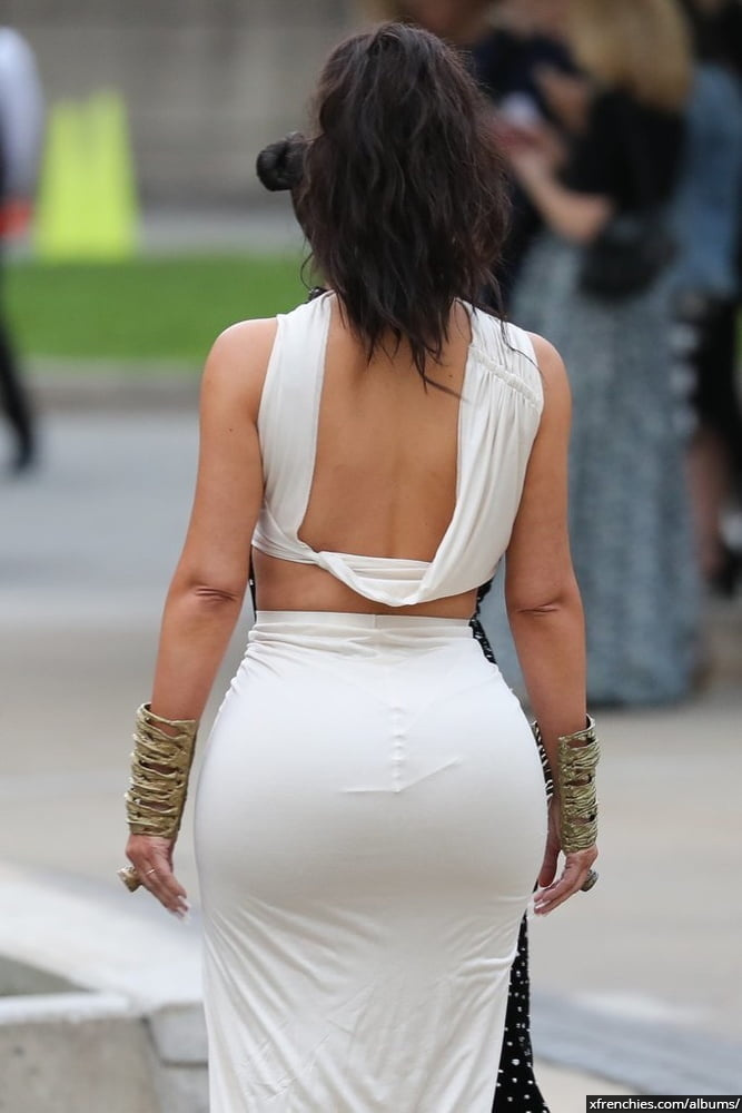 Photos sexy de Kim Kardashian en sous vêtements n°138