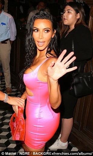 Photos sexy de Kim Kardashian en sous vêtements n°169