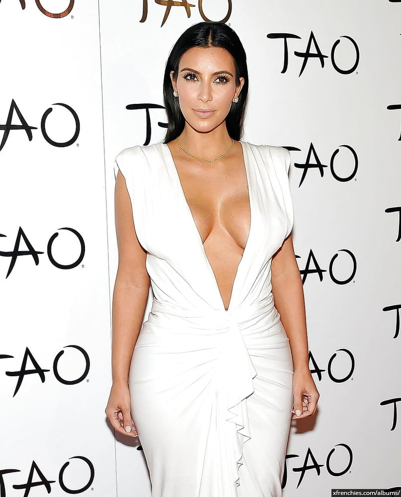 Photos sexy de Kim Kardashian en sous vêtements n°176