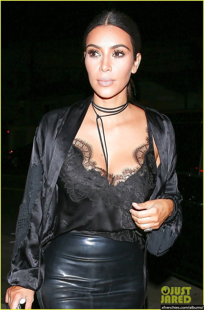Photos sexy de Kim Kardashian en sous vêtements n°181