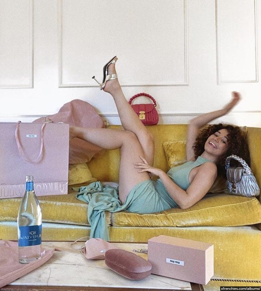 Photos sexy en lingerie de Lena Situation nue n°24