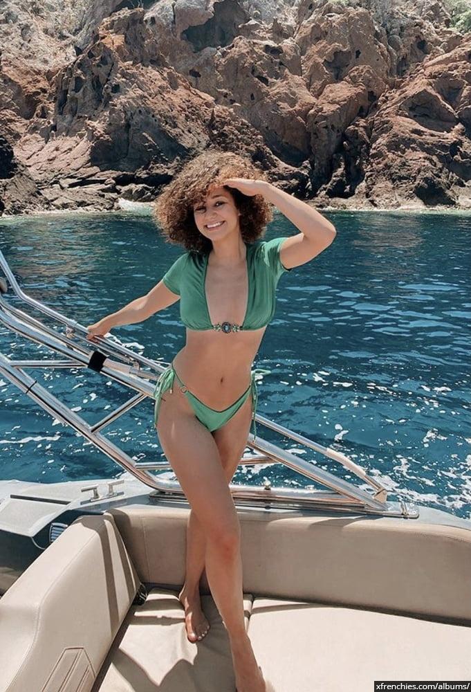 Photos sexy en lingerie de Lena Situation nue n°33