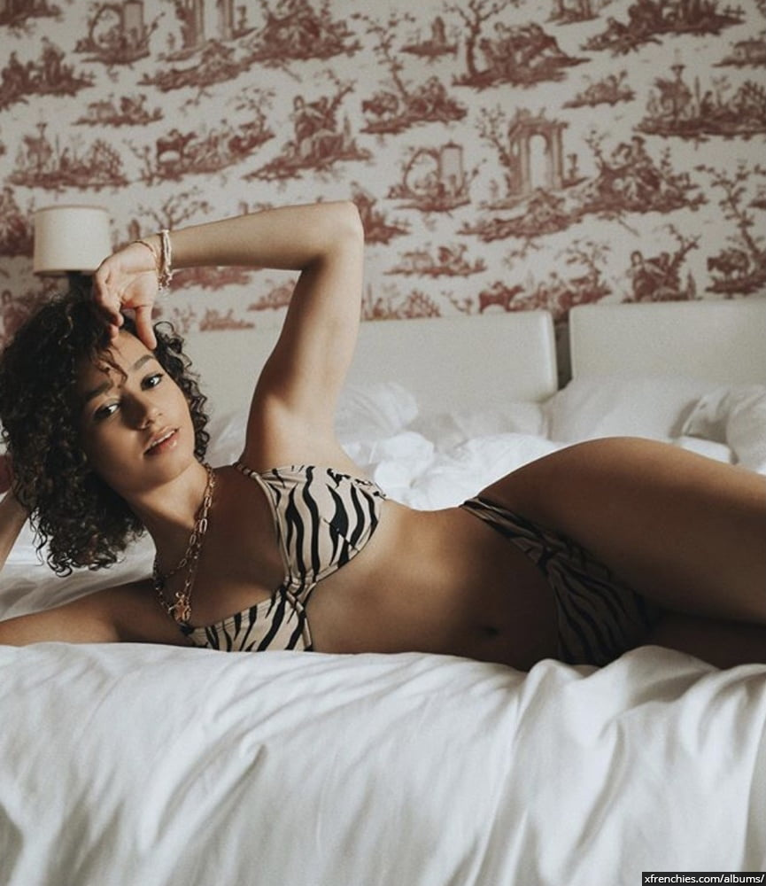 Photos sexy en lingerie de Lena Situation nue n°37