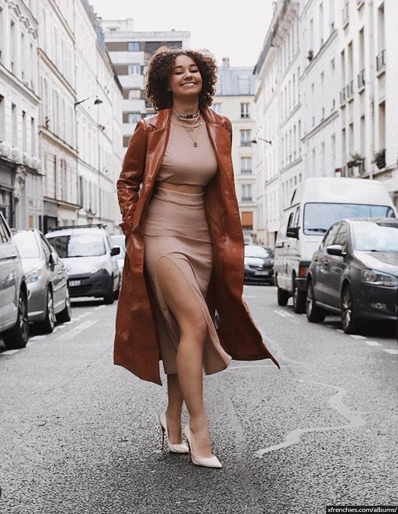 Photos sexy en lingerie de Lena Situation nue n°49