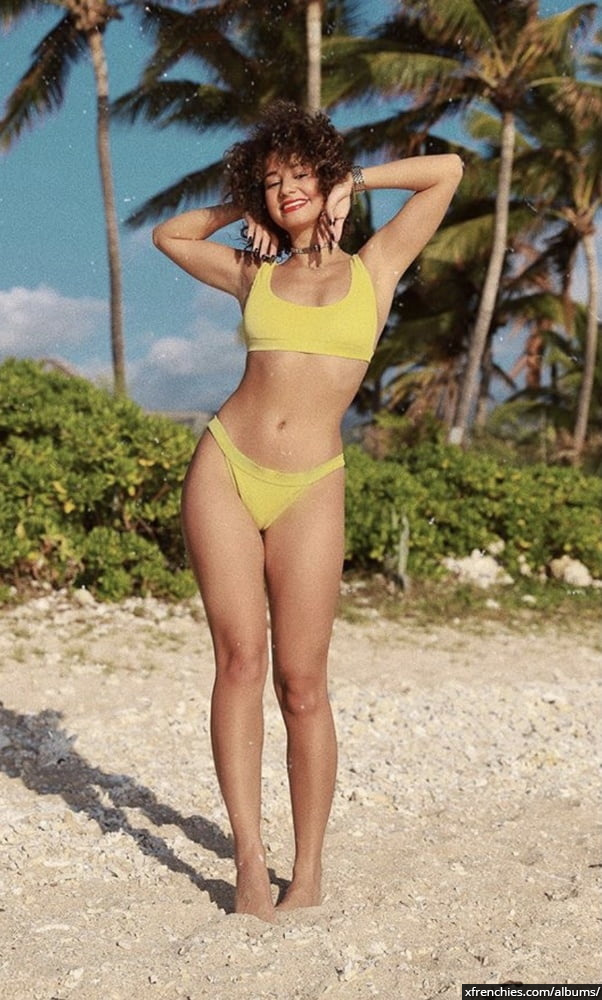 Photos sexy en lingerie de Lena Situation nue n°63