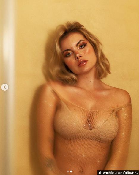 Photos très sexy et chaude de la youtubeuse Romy (Romane) n°75