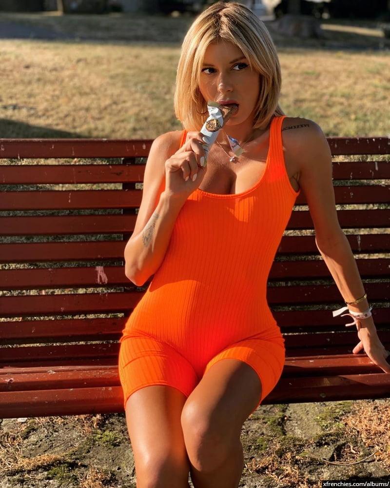 Sarah Lopez des anges, photos sexys en lingerie et sous-vêtements n°0
