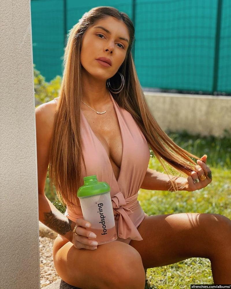 Sarah Lopez des anges, photos sexys en lingerie et sous-vêtements n°95